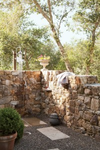 Outdoor-Showers-01